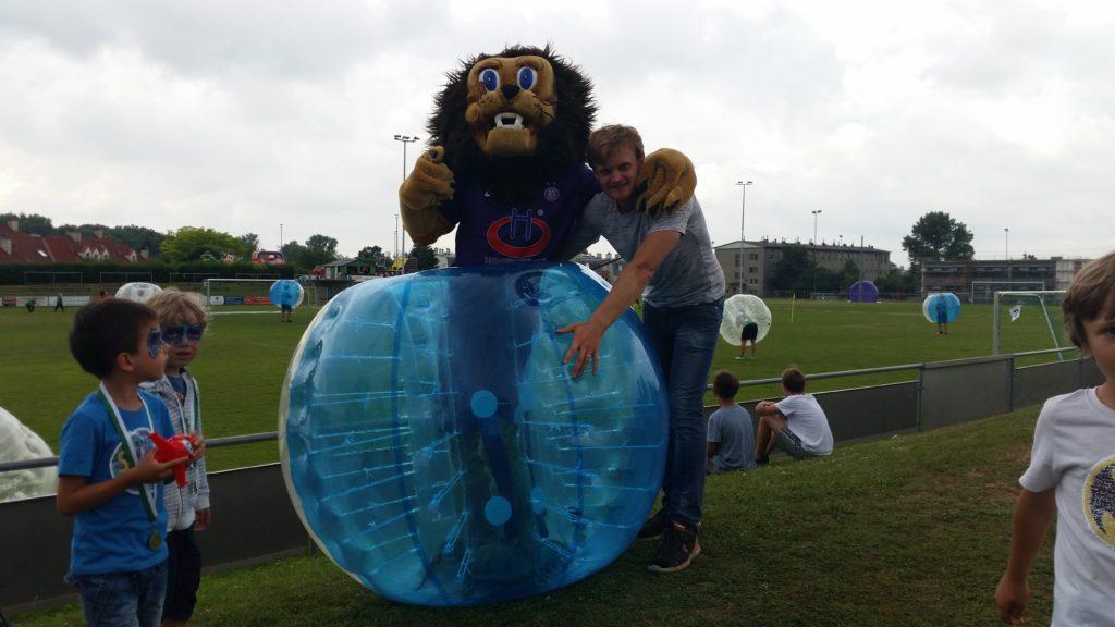 Bubblesoccer und Leo Veilchen