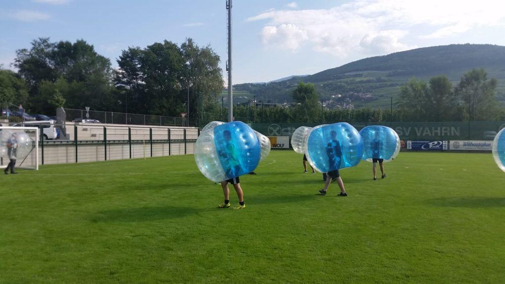 Bubblesoccerturnier in Südtirol